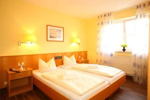 Hotelpension zum Gockl, Penzióny  Allershausen - big - 34