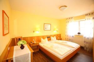 Hotelpension zum Gockl, Penzióny  Allershausen - big - 36