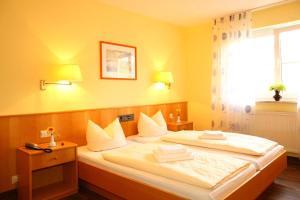 Hotelpension zum Gockl, Penzióny  Allershausen - big - 31