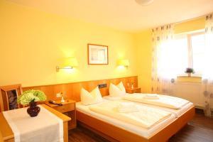 Hotelpension zum Gockl, Penzióny  Allershausen - big - 37