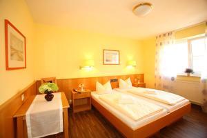 Hotelpension zum Gockl, Penzióny  Allershausen - big - 30
