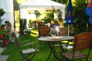 Hotelpension zum Gockl, Penzióny  Allershausen - big - 52