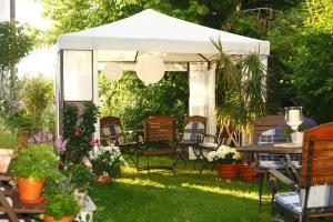 Hotelpension zum Gockl, Penzióny  Allershausen - big - 48