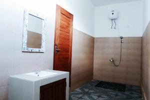 Bathroom Batur Green Hill