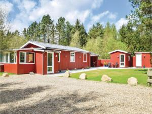 Three Bedroom Holiday Home in Ans By