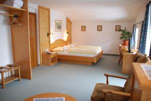 Special Offer - Double Room with Balcony Der Erlhof Restaurant & Landhotel
