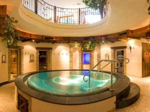 Alpenhotel Tirolerhof - Hotel - Neustift im Stubaital