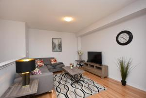 Royal Stays Townhome Collection in Oakville ON