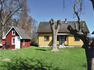 Three Bedroom Holiday Home in Lottorp