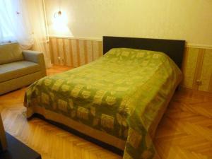 Apartment Zolotoe Koleso na Nikulinskoy