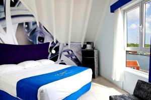 Otrobanda Hotel