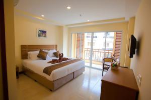 146711725 Iris Residence Pattaya พัทยา