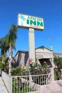 Nearby hotel : Apache Inn