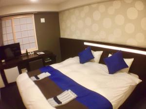 丸太町水晶酒店 image
