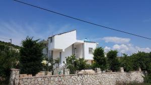 Idris Apartment