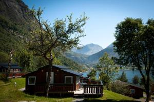 Grande Hytteutleige og Camping, Гейрангер