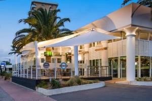 Watermark Hotel Glenelg