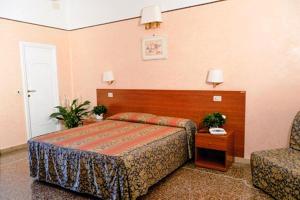 Hotel Miramare, Hotels  Ladispoli - big - 8