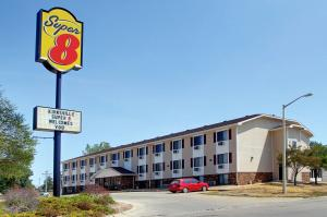 Nearby hotel : Super 8 Kirksville