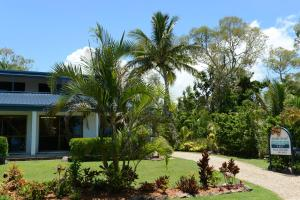 Apollo Jewel Beachfront Apartments - Mission Beach, Queensland, Australia