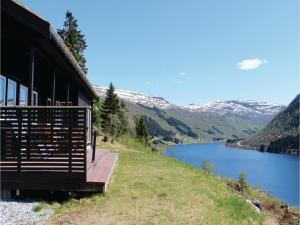 Three Bedroom Holiday Home in Sogndal