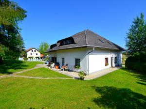 Ferienwohnungen Presslauer Mori - Haus Irmgard, Apartments  Sankt Kanzian - big - 12