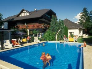 Ferienwohnungen Presslauer Mori - Haus Irmgard, Apartments  Sankt Kanzian - big - 30