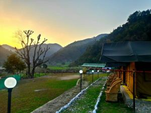 Shiva Valley Camps