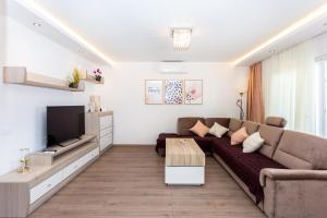 Apartments Iva Brstilo