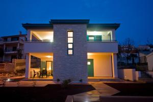 Rooms and Apartments Villa Dama