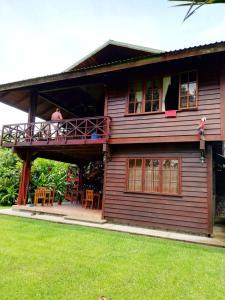 Lapas Rojas Lodge