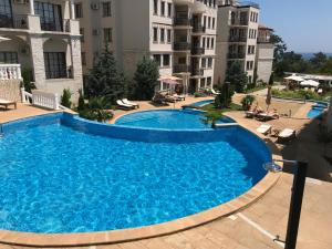 Pearl Beach Apartments in the Cliff Resort
