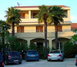 Apartments Ana Sukosan