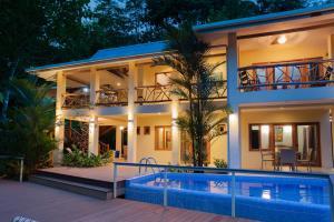 Casa Monolocos Portasol Vacation Rentals