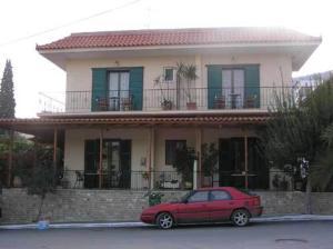 Villa Manolis