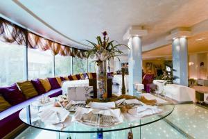 Hotel Waldorf- Premier Resort, Hotely  Milano Marittima - big - 62