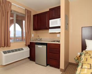 Suburban Extended Stay Hotel Alamogordo, Hotels  Alamogordo - big - 3