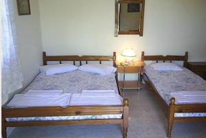 One-Bedroom Apartment (4 Adults) - Guestroom Anthipi Rooms