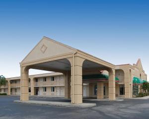 Baymont Inn & Suites Sandusky, Szállodák  Sandusky - big - 13