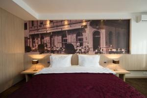 City Hotel - фото 19