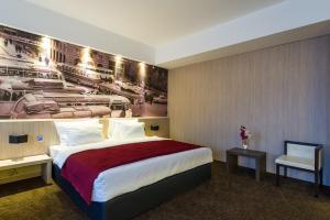 City Hotel - фото 4