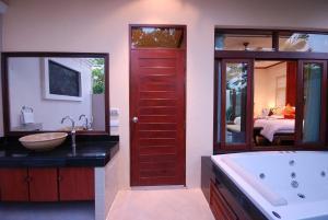 Les Palmares Villas, Курортные отели  Банг Тао Бич - big - 73