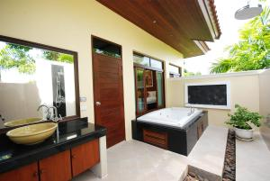 Les Palmares Villas, Курортные отели  Банг Тао Бич - big - 26