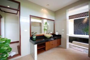 Les Palmares Villas, Курортные отели  Банг Тао Бич - big - 70