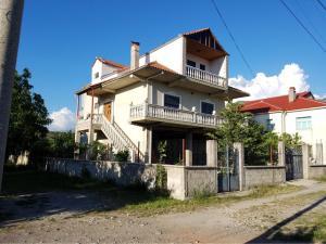 Villa Kajo