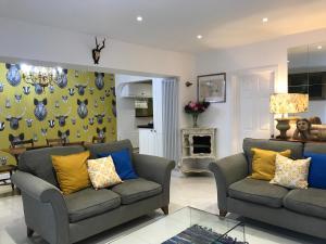 2 Bed/2 Bath Regency Apartment in Cheltenham Town Centre