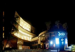 Jolly Suites&Spa Petkasem