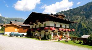 Huttschlag Hotels
