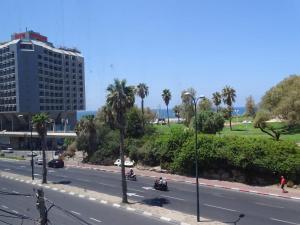 Amazing Sea View Hayarkon Apartment