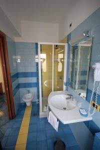 Hotel Leone, Szállodák  Sorrento - big - 7